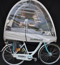 Le pack convient à tous les vélos (vélo de ville, vélo hollandais, vélo électrique, VTT et VTC) équipés d'un siège-enfant à l'arrière, avec ou sans porte-bagage. Idéal pour emmener les enfants à l'école, chez la nounou ou à la crèche : les enfants restent au sec et protégés des bourrasques. Le pack comprend : • la bulle en PVC souple eco-friendly, avec bandes réfléchissantes, une aération supérieure pour éviter la buée et 3 poches intérieures (1 grande et 2 petites) • la fixation avant •…