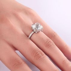 Our huge selection of favorite stone groups and stylish artist styles diamond rings for ladies. Best Engagement Rings, Antique Engagement Rings, Wedding Engagement, Diamond Wedding Rings, Wedding Ring Bands, Halo Diamond, Diamond Rings, Minimal Jewelry, Modern Jewelry
