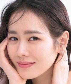 Son Ye Jin is a South Korean actress. Korean Actresses, Korean Actors, Actors & Actresses, Korean Celebrities, Celebs, Jin, Actors Funny, Kdrama Actors, Korean Entertainment