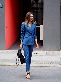#alldenim #denim #denimlover #suit #massimodutti #style #streetstyle #berlin #fashion #blogger #ootd #helloshopping #business #office #outfit #look #howtowear #spring #trends #hugoboss #bespokebag #vince #heels #classic #chic #elegant #feminine #effortless #vogue #instyle #elle #madame #grazia #cosmopolitan