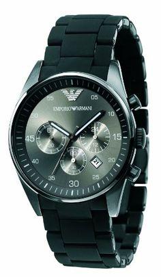 #Montre #Armani #Homme, le cadran forme rond au fond gris, comporte un bracelet en caoutchouc couleur noir.