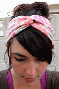 Honeybee Vintage: DIY Twisted Turban Headband (from an old t-shirt)