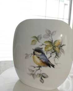 Porcelain Of China Key: 1444103954 Porcelain Jewelry, China Porcelain, Painted Porcelain, Hand Painted, China Painting, Ceramic Painting, China Patterns, Fish Art, Pictures To Paint