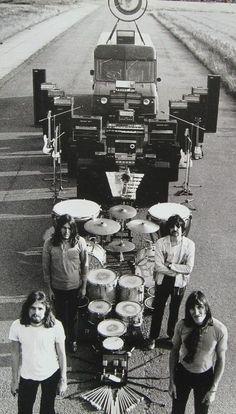 Pink Floyd, on the road                                                                                                                                                      Plus