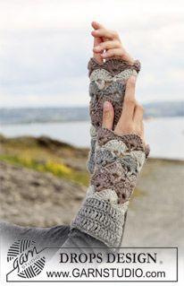 "DROPS crochet wrist warmers in ""Karisma Superwash"". Yarn alternative ""Merino"". ~ DROPS Design"