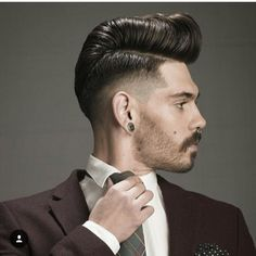 Discover most trendy and fresh ideas about pompadour haircut. Short Pompadour, Modern Pompadour, Pompadour Hairstyle, Undercut, Mullets, Face Hair, Men's Grooming, Haberdashery, Elvis Presley