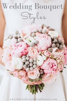 Wedding Bouquet Ideas & Styles. How to make a bouquet.   Bouquet Flower Ideas and inspiration. Pink wedding flowers. #weddingbouquets #bouquetideas