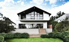 Bungalow with second storey added by architect Tony Holt