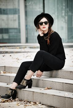 Street Style stud boots & hat