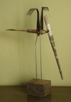 'Crowned Crane' by Spanish artist & graphic designer Oriol Cabrero (b.1959). Mixed media sculpture. via Saatchi