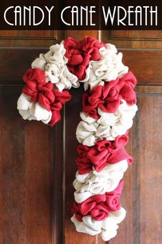 Make this candy cane wreath from two colors of burlap! An easy DIY wreath for Christmas! diy christmas decorations ideas, christmas food crafts, diy christmas art this candy cane wreath from two colors of burlap! An easy DIY wreath for Christmas! Frugal Christmas, Christmas Wreaths To Make, How To Make Wreaths, Christmas Candy, Holiday Burlap Wreath, Christmas Parties, Christmas Christmas, Christmas Treats, Burlap Crafts