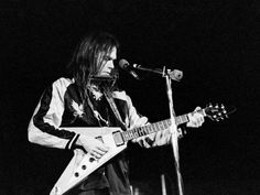 1000+ images about Neil Young Live on Pinterest | Neil Young, Farms ...