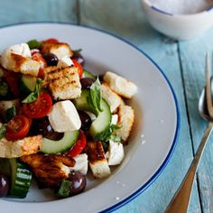 Recipe: Panzanella with marinated bocconcini Eat To Live, Looks Yummy, Salads, Cooking Recipes, Yummy Food, Clothing, Outfits, Cooker Recipes, Delicious Food