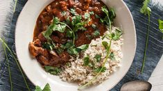 NO TIME TO COOK? THESE 8 SLOW-COOKER RECIPES CAN BE MADE IN THE SLOW COOKER