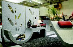 mobile design cercle  Ricavato da un monoblocco in granito di Lodrino. L'arte di modellare una pietra antica rendendola morbida e moderna.