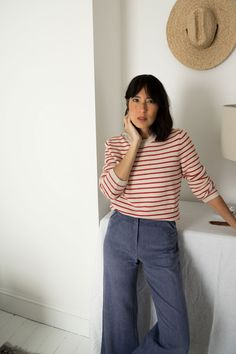 Yesterday we introduced you to florist and writer Lisa Przystup and took you inside her beautiful upstate New York farmhouse. Like so many of the stylish women I know, Lisa favors practical pieces that never go out of style in her wardrobe. Vintage jeans, simple cotton T-shirts, and super-soft knits are among her everyday staples. …