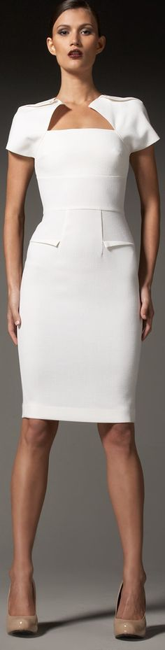 Roland Mouret The darting found in Mouret's clothing are perfect for hourglass shapes; they draw attention to hourglass figure features: small waist, hips, and bust. If I ever learned to sew, I would have to perfect darting!