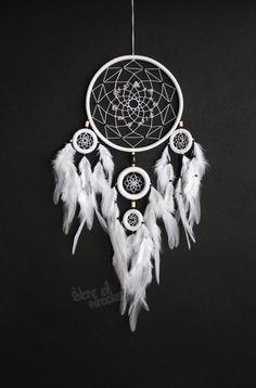 Dream catcher Dreamcatcher American mascots Indian talisman White color