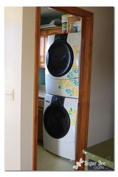 Laundry Room mini makeover, with the Silhouette CAMEO!!! - Sugar Bee Crafts