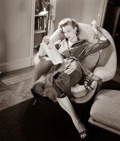 16 fotos que muestran la elegancia y encanto de las mujeres en los años 50 y 60