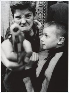 Eric Kim: 10 Lessons William Klein has taught me about Street Photography