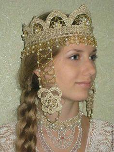 Кокошник-народный костюм. Это работа Шиковой Ирины.