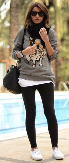 Casual cute. Jumper, leggings, white sneakers. #Lovely pepa