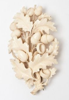 Brooch in carved ivory from Dieppe