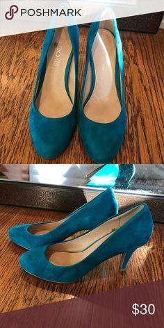 Aldo heels size 8 turquoise suede worn once Aldo heels size 8 turquoise suede great condition Aldo Shoes Heels
