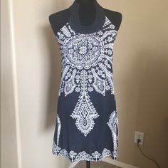 HOST PICK black & white dress nwot Beautiful neckline! Eyelet closure at back of neck. Great for any occasion! Dresses Midi