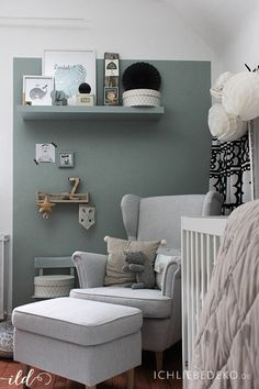 Trendfarbe Salbeigrün im Babyzimmer – jetzt kommt Farbe an die Wand Actually, the baby room of the little man is rather decorated in monochrome look, but I could not resist the current trend color sage green. The color sage green is a mixture of gray […] Baby Room Boy, Baby Bedroom, Love Decorations, Baby Zimmer, My New Room, Room Colors, Family Room, Sweet Home, New Homes