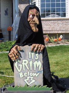 #DIY Leering Prop really simple construction! Check out our #halloween store http://deals.dreadcentral.com
