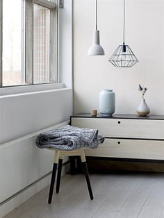 Tips to redecorate a small flat - http://becoration.com/tips-to-redecorate-a-small-flat/