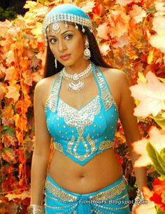 Sada hot stills spicy photos actress glamour navel pictures large HD images collection