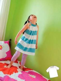 Make this gathered T-shirt tunic for girls. I might even be able to handle this sewing!