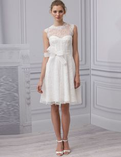 Monique Lhuillier's flirty wedding dress is perfect for a wedding in the South of France