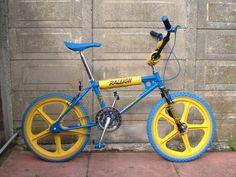 Dutch blue-yellow BMX bike, a clone of the Raleigh Tuff Burner . Vintage Bmx Bikes, Velo Vintage, Mongoose Bmx Bike, Raleigh Burner, Raleigh Bikes, Kids Cycle, Best Bmx, Bmx Racing, Old School Toys