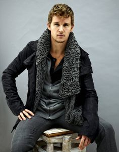 """""""Ryan Kwanten. Very comfy looking and I love the scarf?"""" Really. . . . That's what you're thinking looking at this!?"""
