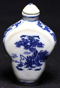 blue and white porcelain snuff bottles of ceramic birds and flowers figures R964
