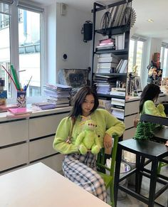 가을에 참고할만한 여돌 사복 코디 모음 🍂🍁.ipg | 카카오톡 #FUN Instagram Outfits, Blackpink Jennie, Blackpink Fashion, Korean Fashion, Foto Casual, Blackpink Jisoo, Yg Entertainment, Swagg, Korean Girl Groups
