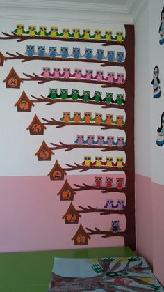 30 Classroom decorating ideas - Aluno On Preschool Classroom Decor, Preschool Activities, Owl Theme Classroom, Art For Kids, Crafts For Kids, School Decorations, Kids Education, Learning Activities, Woman Shoes