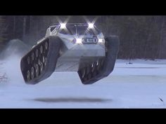 Howe and Howe Tech Robots Military Ripsaw Super Tank, Military Robot, Ken Block, Unusual Things, Electric Cars, Armed Forces, Crafts To Make, Ice, Snowmobiles
