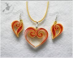 Gelber Valentinsgrußsatz. - #Gelber #Valentinsgrußsatz Quiling Earings, Quilling Necklace, Paper Quilling Jewelry, Origami And Quilling, Paper Quilling Designs, Quilling Paper Craft, Paper Earrings, Quilling Patterns, Paper Jewelry