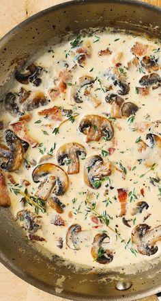 Creamy Mushroom Sauce, Creamy Mushrooms, White Mushrooms, Creamy Sauce, Pasta With Mushroom Sauce, Mushroom Cream Sauces, Aperitivos Finger Food, How To Cook Mushrooms, Meals With Mushrooms