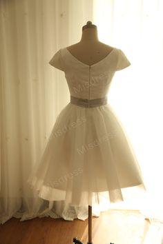 Vintage Inspired Ivory Tulle Wedding Dress Bridal by misdress