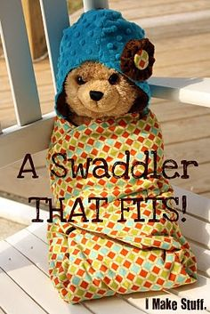 Baby Swaddler Blanket Tutorial - now I need to invest in a sewing machine. Baby Sewing Projects, Sewing For Kids, Sewing Ideas, Diy Bebe, Diy Accessoires, Swaddle Blanket, Baby Swaddle, Sew Baby, Receiving Blankets