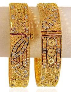 Bracelet Models - Gold 2 Tone Kada - My Popular Photo Dubai Gold Bangles, Gold Bangles Design, Gold Jewellery Design, Designer Jewellery, Bridal Jewellery, Jewellery Maker, Gold Bracelets, Gold Necklaces, Boho Necklace