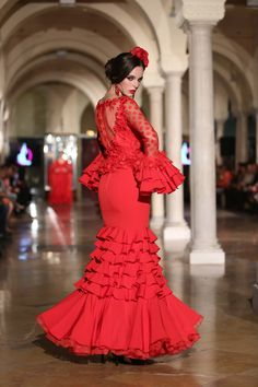 Madroñal - We Love Flamenco 2018 - Sevilla - Cobain Play Abaya Fashion, Ethnic Fashion, Womens Fashion, Flamenco Wedding, Flamenco Dancers, Flamenco Dresses, Spanish Dancer, Black White Red, Traditional Outfits