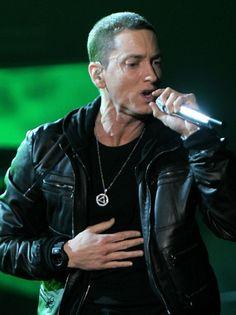 #Eminem Wears #Sobriety Necklace at Grammys