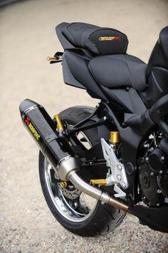 2 SUZUKI GSR 750 BLACKMAT GOLD. MFC Design - Préparation motos, peinture, design, tuning, Suzuki - Kawasaki